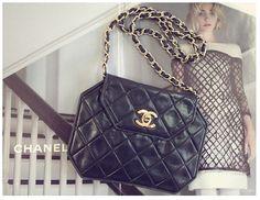 Vintage Chanel black CC chain shoulder bag!!! Hedyjp.com