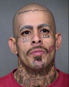 18-tatouages-faciaux-completement-wtf-qui-en-disent-long-sur-ces-personnes19
