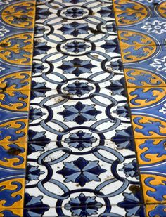 Mendoza - Plaza España, azulejos.  What's not to love? Beautiful floor in beautiful Mendoza with amazing wine!  Yellow in Blue... Boca Jr. UCLA!!!