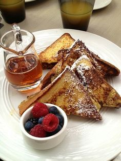 Simple breakfast! So perfect! I must send this picture to my boyfriend :))