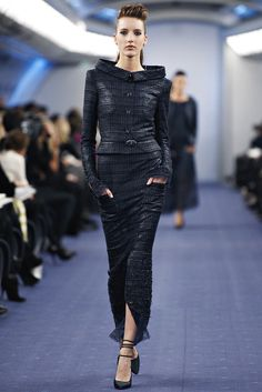 Chanel Spring 2012 Couture Fashion Show - Iris Egbers