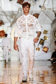 Versace-Men-Spring-Summer-2015-Milan-Fashion-Week-014