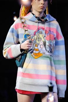 See detail photos for Marc Jacobs Spring 2017 Ready-to-Wear collection.