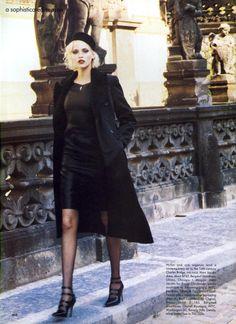 US Vogue 09 94   Nadja Auermann by Ellen Von Unwerth