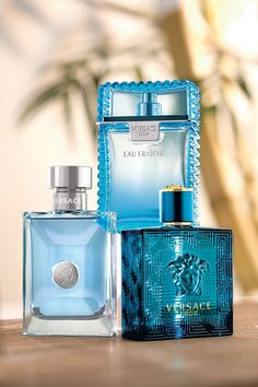 Pour Homme by Versace. Shop niche perfumery samples at Fimaron. Search your favorite parfums in our niche collection. Versace Perfume For Men, Best Perfume For Men, Best Fragrance For Men, Best Fragrances, Versace Mens Shoes, Versace Suits, Pink Perfume, Aftershave, Men Accessories