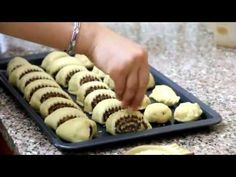 كليجة العيد من الشيف امال الرماحي Iraqi Cook - YouTube