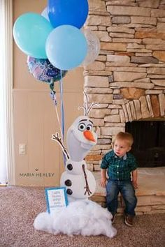 Made by a Princess Parties in Style: {Real Party} Frozen Birthday Party Frozen 3rd Birthday, Olaf Party, Frozen Themed Birthday Party, Disney Frozen Birthday, Elsa Birthday, 4th Birthday Parties, Birthday Ideas, Fourth Birthday, Party Party