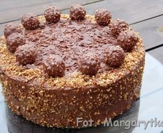 Tort czekoladowy z orzechową nutką