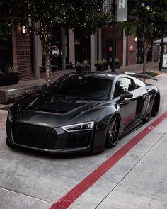 Image about black in Audi 😍 by 𝒫𝒶𝓊𝓁𝒾𝓃𝒶 on We Heart It Audi Rs6, Bugatti, Porsche Cayman 987, Supercars, Dream Cars, Mercedes Ml, Audi R8 V10 Plus, Black Audi, Sports Car Wallpaper
