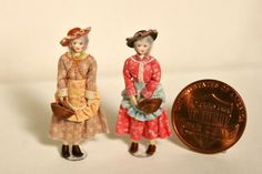 1 48 Quarter Scale Cloth and Wood Mature Lady Friends Handmade OOAK Dollhouse Dolls, Miniature Dolls, Dollhouse Miniatures, Worry Dolls, Tiny World, Hat Shop, Ooak Dolls, Dollhouse Furniture, Little People