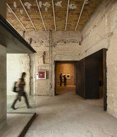 Espaço de Arte Contemporânea no antigo Convento da Madre de Dios / sol89