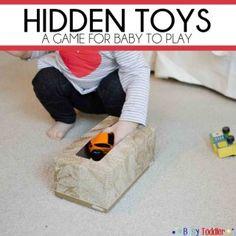 Une boite de mouchoirs et quelques jouets pour amuser bébé