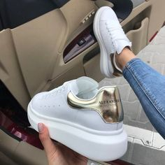 44 Must-Have Sneakers That You Might Want to Gift Yourself Source by mcqueen Sneakers Pretty Shoes, Cute Shoes, Me Too Shoes, Sneakers Fashion, Fashion Shoes, Platform Tennis Shoes, Alexander Mcqueen Sneakers, Dream Shoes, White Sneakers