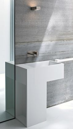 Minimalist washbasin and towel rail in Korakril acrylic, Argo by Rexa design