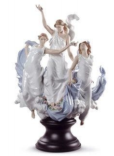 Lladro • 01008773 • Celebration Of Spring • Limited edition of 1000 pieces ➔  £4400 ☎ +44 20 7494 0407 ☛ 194 Picadilly, London, W1J 9EX