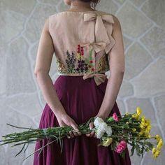 Sari Design, Sari Blouse Designs, Salwar Designs, Designer Blouse Patterns, Fancy Blouse Designs, Blouse Neck Designs, Floral Design, Designer Kurtis, Designer Sarees