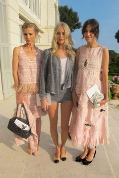 c-hanelity:  such-a-tomboy:  Alexa Chung, Poppy Delevingne and Laura Bailey @ Chanel Cruise show   ***