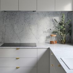 New kitchen ikea veddinge grey Ideas Kitchen Ikea, Kitchen Interior, Kitchen Decor, Kitchen White, Minimal Kitchen, Kitchen Modern, Marbel Kitchen, Ikea Kitchen Design, Kitchen Cupboards