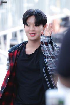 for park jihoon: Photo Korean Tv Shows, Spring Bouquet, Your Music, Your Smile, Husband, Park, Boys, Sausages, King