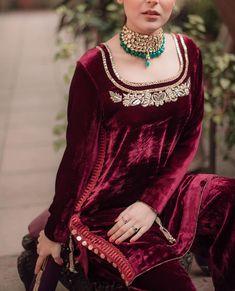 Pakistani Fashion Party Wear, Pakistani Wedding Outfits, Pakistani Dresses Casual, Indian Bridal Outfits, Pakistani Bridal Wear, Pakistani Dress Design, Indian Designer Outfits, Stylish Dresses For Girls, Stylish Dress Designs