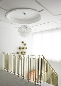 Beautiful railing and ceiling detail. Interior Stair Railing, Stair Railing Design, Staircase Railings, Railing Ideas, Stairways, Balustrade Design, Bannister, Balcony Railing, Stair Treads