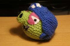 Crochet angry birds ice hockey pig