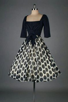 Vintage dress - ♡ I think I was born on the wrong decade love tje 50's looks
