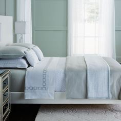 SFERRA Nivola Duvet Cover collection incorporates a tiny geometric jacquard weave and cotton sateen with a soft hue.