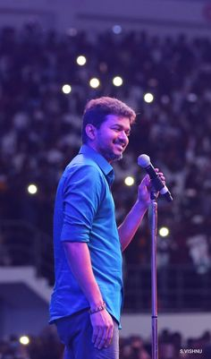 Tips For Taking Digital Photography Actor Picture, Actor Photo, Movie Photo, I Movie, Famous Indian Actors, Ilayathalapathy Vijay, Best Friend Quotes For Guys, Tamil Movies Online, Vijay Actor