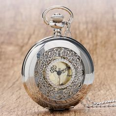 Retro Hollow Silver Tone Quartz Pocket Watches Women Men Watch Necklace Pendant with Chian 2018 High Quality Luxury Gift Quartz Pocket Watch, Silver Pocket Watch, Steampunk, Mode Cool, Pocket Watch Necklace, Necklace Chain, Pendant Necklace, Mechanical Pocket Watch, Heart Locket
