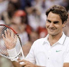 Federer Roger Federer, Best Tennis Racquet, Wimbledon Tennis, Sports Pictures, Tennis Players, Daily News, King, Board, People