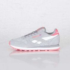 Reebok Classic Leather Seasonal   Tin Grey / White   Punch Pink