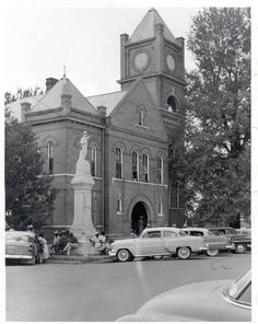 Vintage photo of Tallahatchie County Courthouse, Sumner, Mississippi