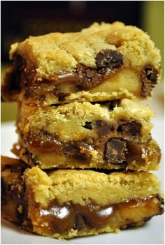 "Salted Caramel Chocolate Chip Cookie Bars    Ingredients  2 sticks unsalted butter (8 ozs.)  16 ozs. brown sugar (2 1/3 cups)  1/2 teaspoon sea salt  1 cup light corn syrup  1 can ""Dulce de Leche""  1 Tablespoon Mexican Vanilla    Instructions    1. Over medium heat, melt 2 sticks of butter in a 2-qt. sauce pan with a heavy bottom. Cheap pans te"