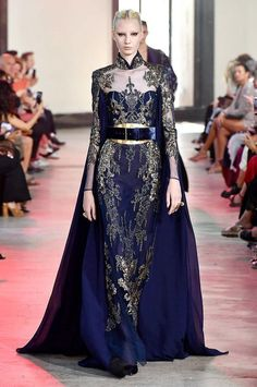 Elie Saab Haute Couture, Style Royal, Purple Gowns, Estilo Real, Skating Dresses, Royal Fashion, Beautiful Outfits, Beautiful Clothes, Out Of Style