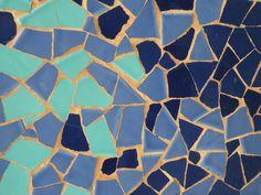 Cómo se hace un Trencadís? | BLOG de la Escuela de Mosaico:TrencadisBCN Creta, Glass Garden, Mosaic Art, Stained Glass, Watercolor, Diy, Minis, Tiffany, Barcelona