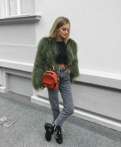 The latest fashion trends & style advice. See the best designer & high-street shopping catwalk fashion red carpet & celebrity style options for you. Fashion Killa, Look Fashion, Teen Fashion, Fashion Outfits, Womens Fashion, Catwalk Fashion, Latest Fashion, Fashion Trends, Winter Looks
