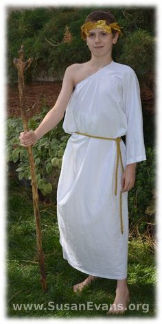 How to make a simple Roman costume - http://susanevans.org/blog/bible-costume-in-five-minutes/