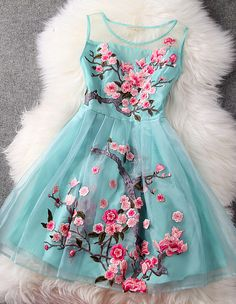 Highlight with flower embroidery and organza material, this dress is charming and luxurious. It suit for any occasions: prom party, evening date, daily dress or even birthday party. It worth to get it. blue dress