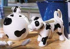 Black White Cow Ceramic Cream and Sugar Bowl Set Start your day off with a helping of pure charm. Farmhouse sugar and creamer set takes it's styling from the barnyard and makes a whimsical and attractive addition to any kitchen table--- even i. Cow Kitchen, Country Kitchen, White Cow, Black White, Mini Cows, Cow Decor, Cow Creamer, Baking Items, The Barnyard