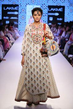 traditional indian suit made of kanjeevaram silk #indianwedding