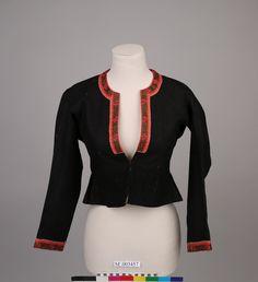 En kort drakt jakke sydd i sort vevet ull, en del av Sunnhordland Museums sitt arkiv. DigitaltMuseum. Folk Costume, Costumes, Museum, Dress Up Clothes, Fancy Dress, Museums, Men's Costumes, Suits