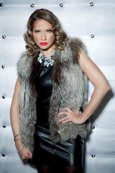 Ileana Badiu Romania, Fur Coat, Fashion Accessories, Classy, Chic, Stylish, Jackets, Beautiful, Shabby Chic