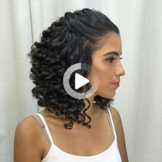 Looking for some style inspiration for your fine, curly hair? Fine, curly hair often struggles with a loss of volume and appearing flat - these styles can help. Fine Curly Hair, Curly Hair Updo, Curly Hair Styles, Stil Inspiration, Medium Hair Styles For Women, Rides Front, Boho Hairstyles, Human Hair Wigs, Lace Front Wigs