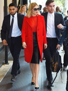 【ELLE】最高のパリジェンヌがレッスン! レア・セドゥの赤×黒着こなし|エル・オンライン