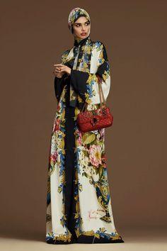 promo_Dolce_Gabbana_Abayas-FW-17-18-(3)
