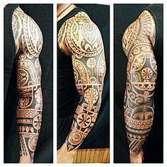 #polynesiantattoo #polynesian #polynesianart #polynesiantattoos #manuteatattoo #maoritattoo #tatouagepolynesien #tattoo #tatouage #quebectattooshops #blacktattoo #blacktattoo #silverbackink