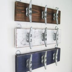 Boat Cleat Coat Rack long Wall Hooks with 6 Cleats Distressed Navy Towel Rack for Beach House or Lake House Coastal Nautical Decor - Deko Treibholz - Lake Decor, Coastal Decor, Boat Decor, Nautical Bathrooms, Small Bathroom, Boho Bathroom, Modern Bathroom, Bathroom Ideas, Long Walls