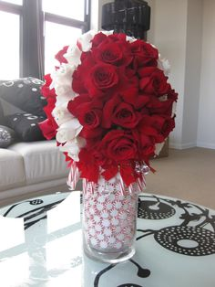 Gorgeous  red & white centerpieces  #valentine  or #Christmas or simply to say I Love You!