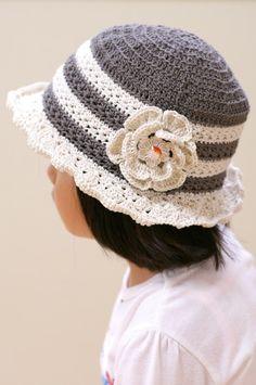 高級綿であるスーピマコットンで編んだ、綿100%の帽子です。サイズは49~52センチ。モデルは4歳半、頭囲50センチです。 軽くて柔らかく、また少し艶のある糸... ハンドメイド、手作り、手仕事品の通販・販売・購入ならCreema。